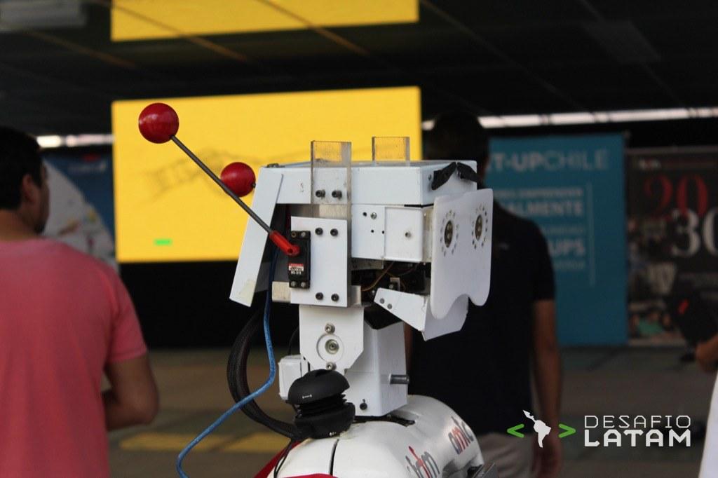 Robotics Day - Robot copia emociones