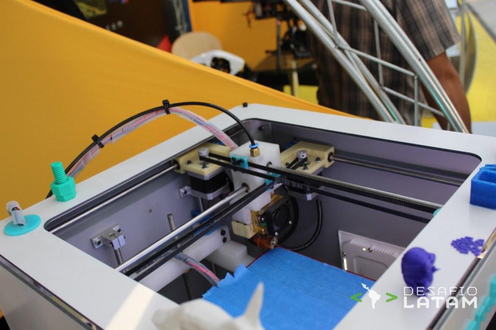 Robotics Day - Stgo Maker Space y la impresora 3D chilena Dreambox II