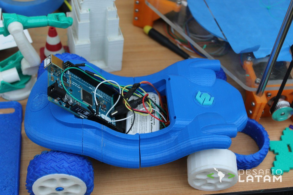 Robotics Day - Stgo Maker Space y la impresora 3D chilena Dreambox - Prototipo