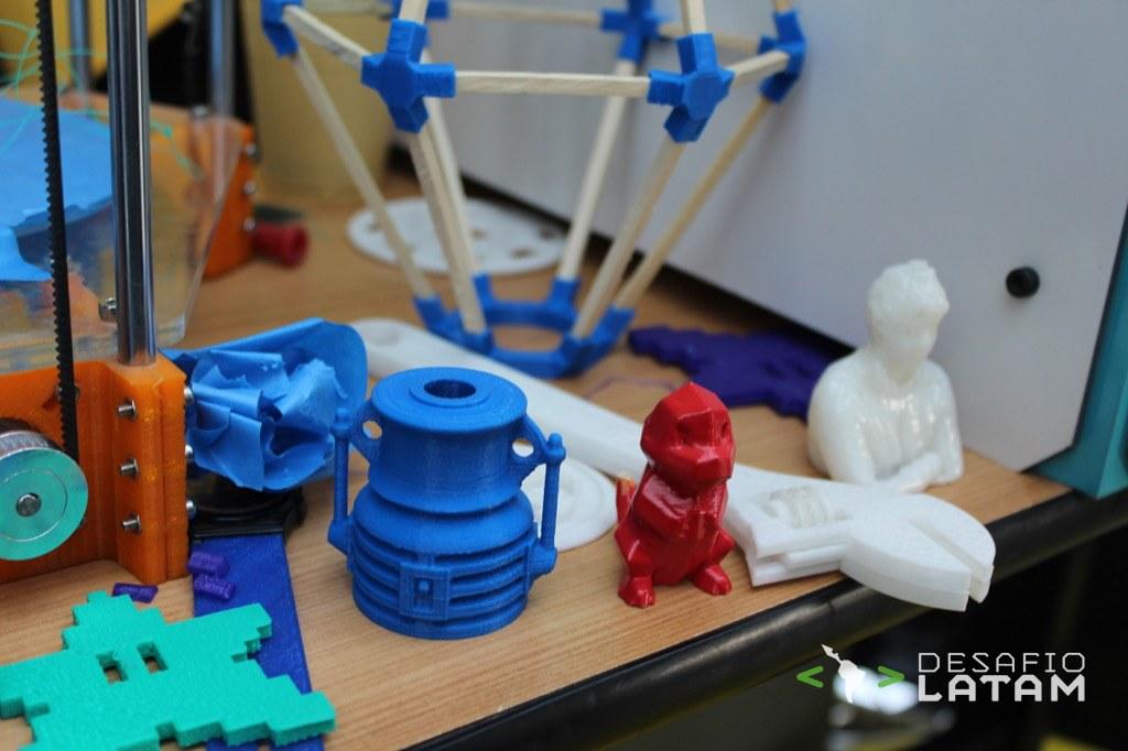 Robotics Day - Stgo Maker Space y la impresora 3D chilena Dreambox